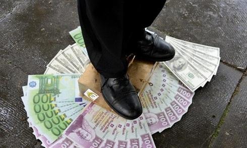 62 tỷ phú giàu bằng nửa thế giới