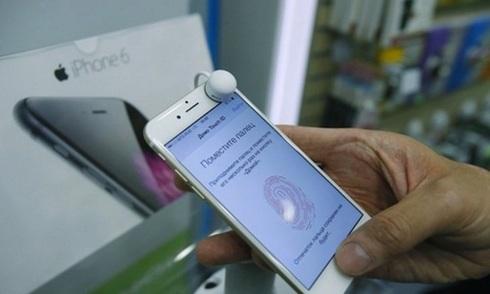 iPhone cháy hàng ở Nga vì rúp mất giá