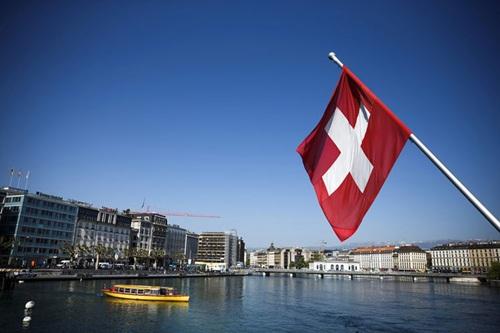 Người Thụy Sĩ có thể được chia hơn 2.400 USD mỗi tháng