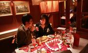 http://kinhdoanh.vnexpress.net/tin-tuc/quoc-te/valentine-tai-ha-noi-va-tp-hcm-ton-kem-the-nao-so-voi-the-gioi-3355028.html
