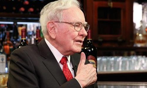buffett 1 8180 1457320735 Warren Buffett: Nếu muốn mua cổ phiếu thì đừng nhìn giá
