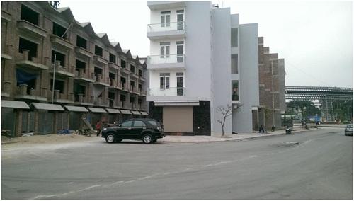 Liên hệ trực tiếp phòng bán hàng chủ đầu tư: 0906 09 11 33 -  0906 89 11 33, Website:http://locninhsingashine.vn