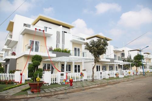 Người mua nhà thời điểm này sẽ được tặng mô hình ngôi nhà bằng vàng Melosa trị giá 8 chỉ SJC.