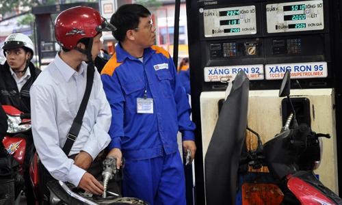 Người dân khó đòi hàng nghìn tỷ nộp 'oan' cho doanh nghiệp xăng dầu