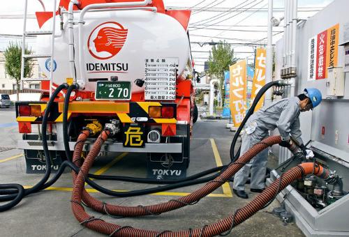 Nhiều nước mở cửa thị trường xăng dầu cho đại gia ngoại