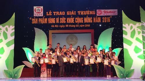 nhat-sac-nhan-giai-san-phm-vang-vi-suc-khoe-cong-dong-1