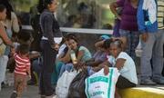 Kinh tế Venezuela bị đẩy đến bờ sụp đổ