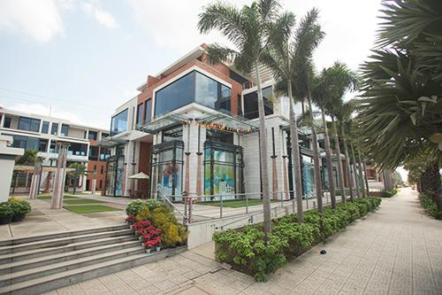 Là một khu phố thương mại nghệ thuật tọa lạc giữa lòng khu Nam, nhưng Galleria khác biệt ở chỗ vẫn đảm bảo không gian sống thanh bình, yên ả cho cư dân.