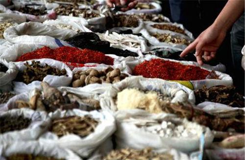 Hàng nghìn tấn dược liệu Trung Quốc ồ ạt vào Việt Nam