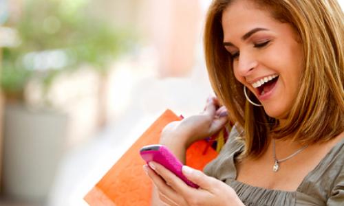 Thương mại điện tử qua các thiết bị di động ngày càng phổ biến.