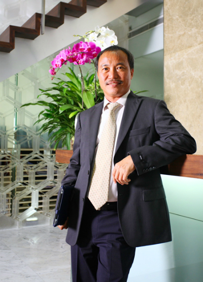 Ông Nguyễn Xuân Quang- Chức vụ:  Chủ tịch HĐQT Công ty cổ phần Đầu tư Nam Long