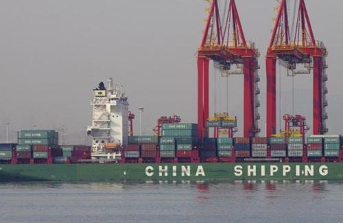 Trung Quốc đang bị cả Mỹ và EU kiện vì hoạt động thương mại. Ảnh:Reuters