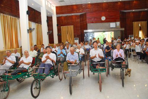 Các thương - bệnh binh tại buổi giao lưu gặp mặt
