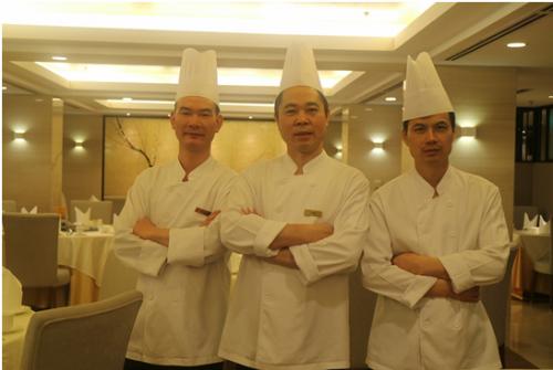 Đội ngũ đầu bếp Tung Garden.