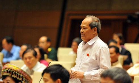 Đại biểu Ngô Văn Minh: 'Tiền đâu để lãnh đạo Bộ, địa phương đi xe 2.4 rồi 3.0'