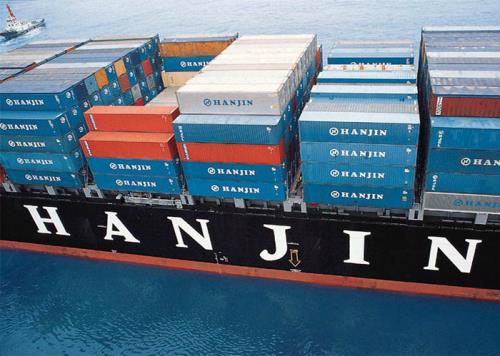 hang-tram-container-hang-viet-lenh-denh-tren-tau-hanjin