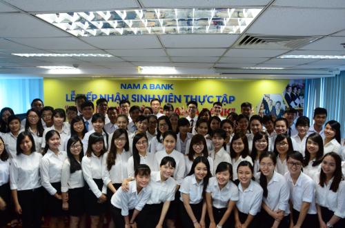 Sinh viên quan tâm có thể tham khảo thông tin chi tiết tại website www.namabank.com.vn hoặc liên hệ Hotline 1900 6679.