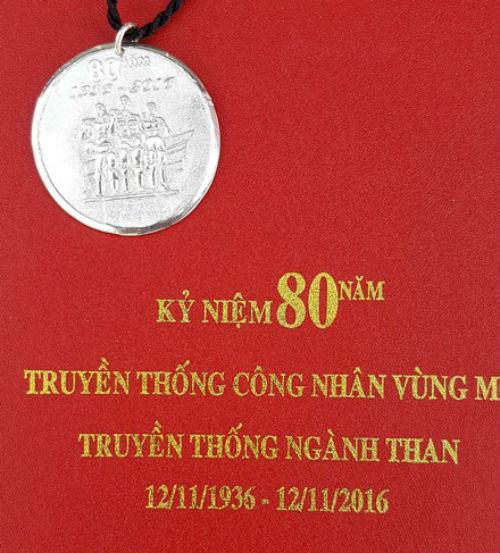 vinacomin-phai-bao-cao-thu-tuong-viec-lam-ky-niem-chuong-640000-dong-cho-cong-nhan