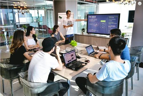 5 trong số 18 startup này sẽ được lựa chọn thuyết trình trực tiếp trước Hội đồng chuyên môn để giành danh hiệu Startup Việt 2016.