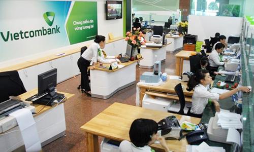 lanh-dao-vietcombank-thuong-tet-ngan-hang-khong-qua-1-thang-luong
