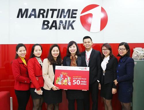 maritime-bank-trao-so-tiet-kiem-50-trieu-dong-cho-khach-hang-may-man-dau-tien