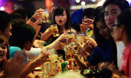 Mỗi người Việt uống 42 lít bia một năm - ảnh 1