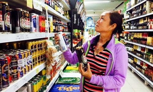 Hãng bia ngoại đặt cược vào bàn nhậu của người Việt - ảnh 1