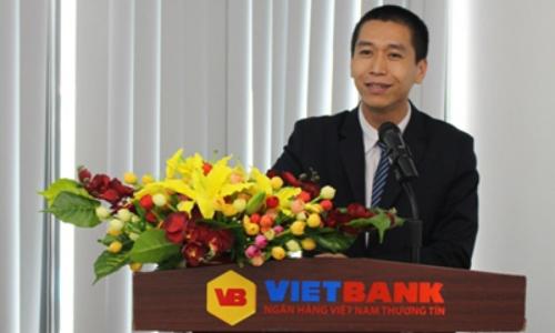 Khách hàng nhận thưởng sổ tiết kiệm 500 triệu đồng từ VietBank - ảnh 2