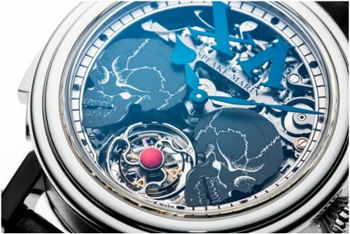 Speake-Marin Crazy Skulls được xem là đỉnh cao của chế tác đồng hồ Thụy Sỹ khi trang bị đồng thời các cơ chế siêu phức tạp:Tourbillon, điểmchuông Carllion Minute Repeater và animation of the dial. Một năm cả nền công nghiệp Thụy Sỹ chỉ có khả năng chế tác khoảng 10 chiếc tương tự. Chiếc Speake-Marin Crazy Skulls duy nhất trên toàn thế giới thân vỏ Platinum 950 có giá bán 9,2 tỷ đồng.