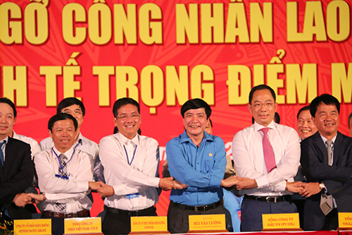 nutifood-trich-doanh-thu-ho-tro-cong-nhan-da-nang