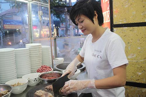Cô chủ tiệm thời trang Sài Gòn mở quán phở gia truyền