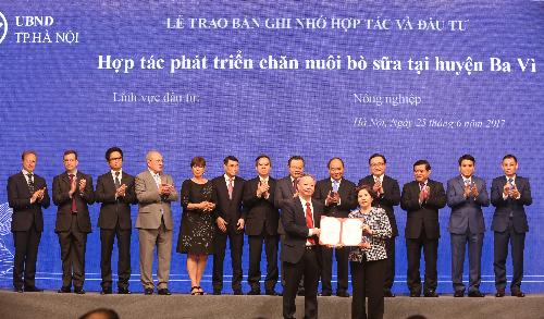 vinamilk-rot-1400-ty-dong-nuoi-bo-sua-cong-nghe-cao-tai-ha-noi