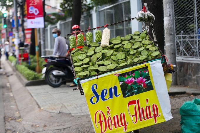 Những con đường chuyên bán củ quả dân dã ở Sài Gòn