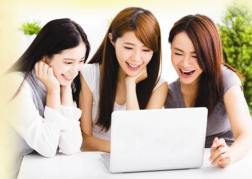 Mọi thông tin chi tiết, khách hàng vui lòng truy cập:  - Website: www.sacombank.com.vn;  - Trung tâm Dịch vụ khách hàng Sacombank 24/7 theo số điện thoại: 1900 5555 88