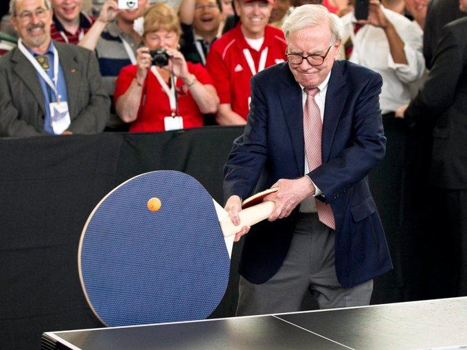 Sự thật thú vị về Warren Buffett và khối tài sản khổng lồ