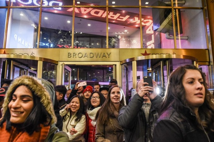 Lễ hội mua sắm lớn nhất nước Mỹ bắt đầu
