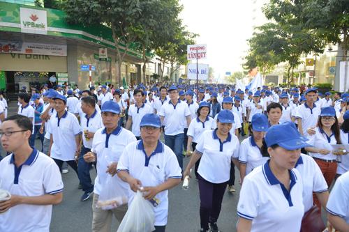 Hàng chục nghìn người tham gia chạy bộ vì người nghèo.