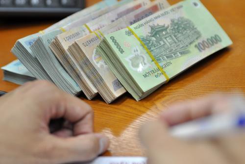 Khoản tiền dành cho chi trả nợ gốc và lãi đến giữa tháng 12/2017 là 238.000 tỷ đồng.