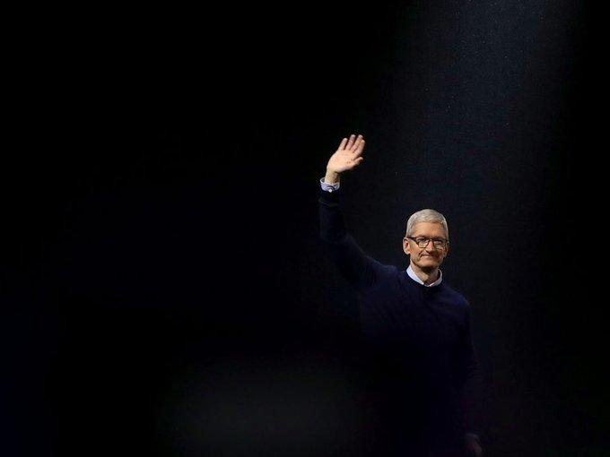 CEO Apple dậy lúc 3h45 sáng, đọc 800 email mỗi ngày