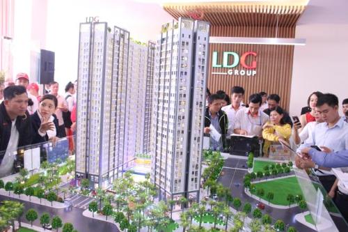Liên hệ tham quan căn hộ mẫu Saigon Intela tại LDG Group, điện thoại: 0937 92 88 92, website. Dự án phân phối bởi Đất Xanh Miền Nam, điện thoại: 0933674114