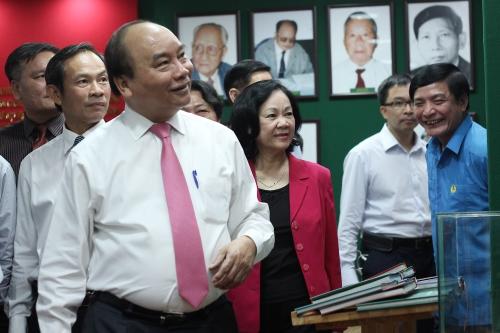 Thủ tướng Nguyễn Xuân Phúc đề nghị VRG rút kinh nghiệm từ những sai phạm giai đoạn 2006-2011. Ảnh: Phương Đông.