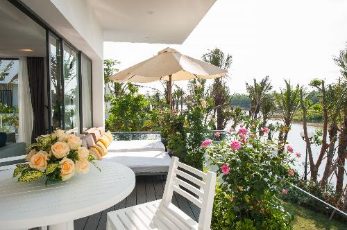 Hàng trăm khách hàng dự lễ mở bán Flamingo Luxury Villa