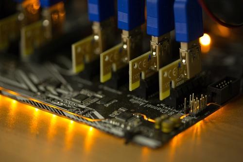 hang-lam-chip-cho-iphone-trong-cho-doanh-thu-tu-bitcoin