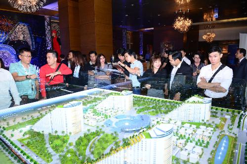 Gần 500 khách hàng TP HCM dự lễ ra mắt The Arena