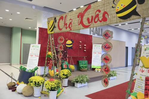 Hàng trăm sản phẩm giảm giá tới 50% tại hội chợ Tết TP HCM