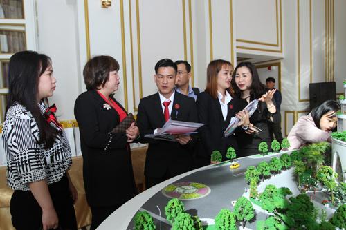 Lễ mở bán căn hộ The Panorama - Đà Lạt thu hút sự quan tâm và tìm hiểu của nhiều khách hàng.