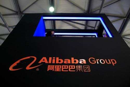 Alibaba đang đầu tư mạnh tay vào cửa hàng truyền thống. Ảnh: Bloomberg