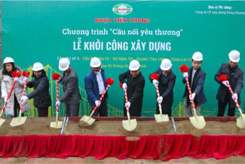 Nhựa Tiền Phong trích lợi nhuận xây cầu cho người nghèo