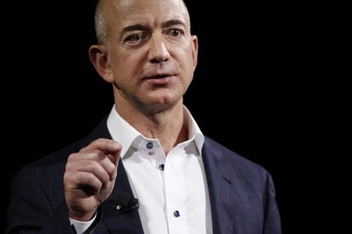 Jeff Bezos đã mất hơn 5 tỷ USD tài sản hôm qua. Ảnh: Bloomberg
