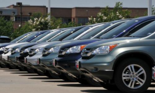 Lượng xe con nhập về thời điểm trước Tết Nguyên đán 2018 vẫn nhỏ giọt.